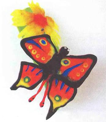 Акриловая бабочка, сделанная с использованием пудры Creative Mosaic