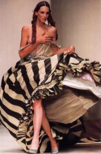 Бегство принцессы Лукреции в коллекции Д.Гальяно (весна-лето 94-го)