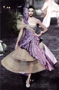 Декадентская роскошь конца XIX века в коллекции от Cristian Dior