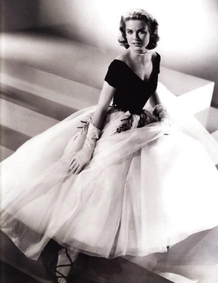 Грейс Келли в голливудской версии нью-лука (Эдит Хед)