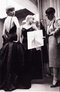 Изобретение кутюрье Чарльза Джеймса - платье-тюльпан