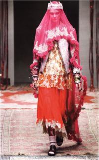 Костюм невесты из Раджастана (бренд Maedlham Kirchhoff, осень-зма 2010-11)