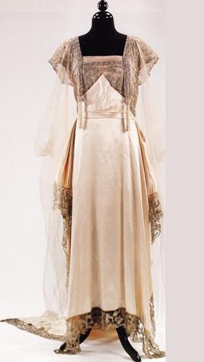 Кружевное платье работы М. Калло-Жербер 1915 года