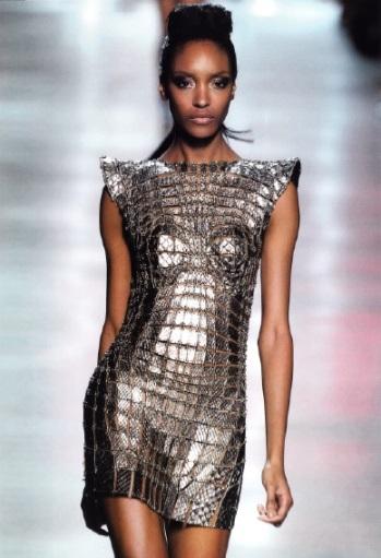 Минималистичные платья в духе модного дома Paco Rabanne