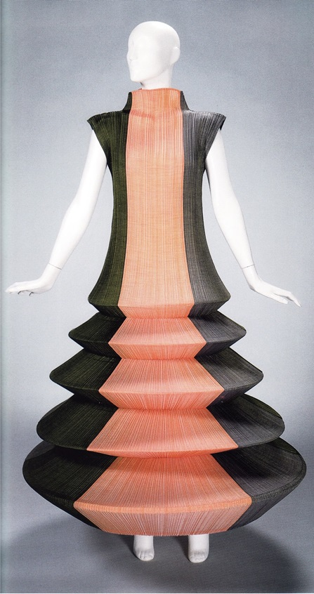 Модель «Минарет» (модельер Эссей Миякэ, 1995)