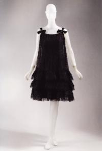Наивно-обаятельное платье от кутюрье Баленсиага