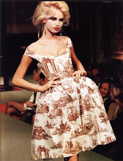 Платье из коллекции Вивьен Вествуд 95-го года