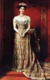 Платье из павлиньих перьев леди Керзон (художник Логсдейл)