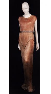 Платье из серии «Дельфы» от Мариано Фортуни