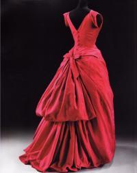 Платье из турнюра и тафты, модельер К.Баленсиага (1953г)