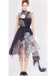 Платье-изображение вступившего в силу проклятия (Хуссейн Чалаян, 2002)