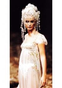 Платье-ностальгия по наполеоновской эпохе от Джона Гальяно