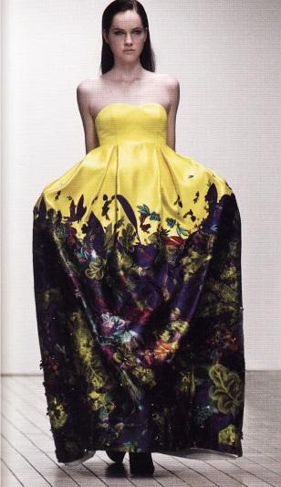 Платье работы канадского дизайнера Э. Моралиоглу