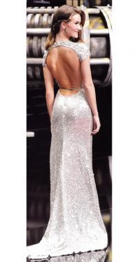 Платье с открытой спиной от дизайнера Наима Хана