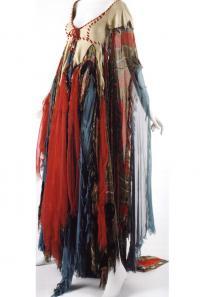 Платье в стиле хиппи с рисунком пейсли (дизайнер Дж. ди Сант-Анджело)