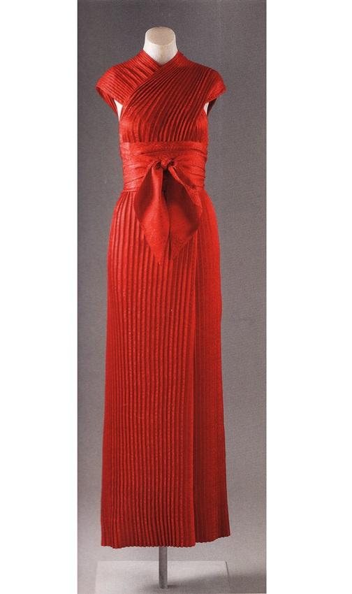 Плиссированное платье от Клэр Маккарделл
