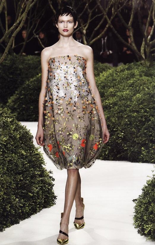 Полупрозрачное платье-баллон (Раф Симонс для Dior, весна-лето 2013)