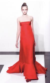 Роскошное платье без бретелей (А. Факинетти, осень-зима 2011-12)