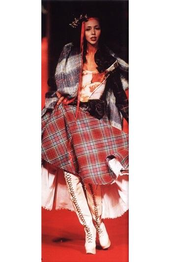 Шотландская клетка в коллекции осень-зима 93/94, модельер В.Вествуд